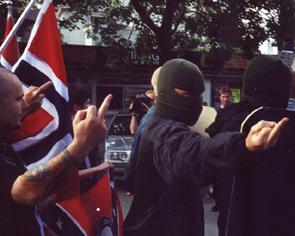 Blir ekstremister mindre ekstremistiske hvis de får si hva de vil?