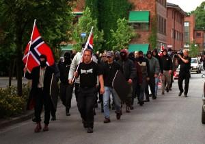 Norges største nazimarsj i nyere tid fant sted i Askim i 2001. Den talte 38 deltakere.