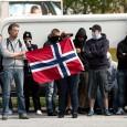 """Mens deres svenske søsterorganisasjon ble nektet å delta fordi den var for """"zionistisk"""", deltok en liten skare fra Norwegian Defence League i lørdagens demonstrasjon mot moské i Gøteborg. De bolde […]"""