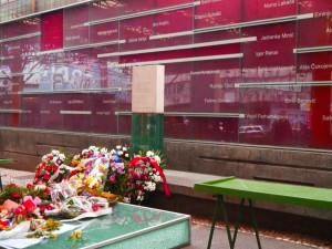 Minnesmerket over de drepte på Markale-markedet i Sarajevo, 5. februar 2014 (Tyveårsdagen)