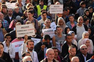 Muslimer og ikke-muslimer tok til gatene mot ekstremistene.