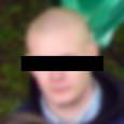 En kjent norsk nazist er pågrepet av politiet etter en voldsepisode mot en muslim. Politiet etterforsker om det ligger et hatmotiv bak.
