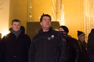 Jan Holthe, helt til venstre, under en PEGIDA-demonstrasjon i Oslo.